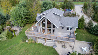 25.5 Stunning acres Just a short drive to the ski club!