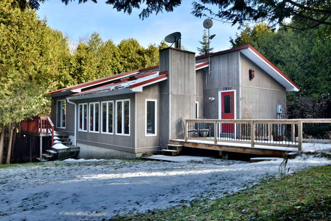 3 Acres on the Saugeen River!!  Bunkie!!