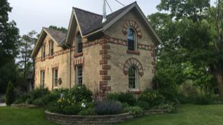 Gorgeous Historic Farmhouse 15 Minutes from Ski Hill