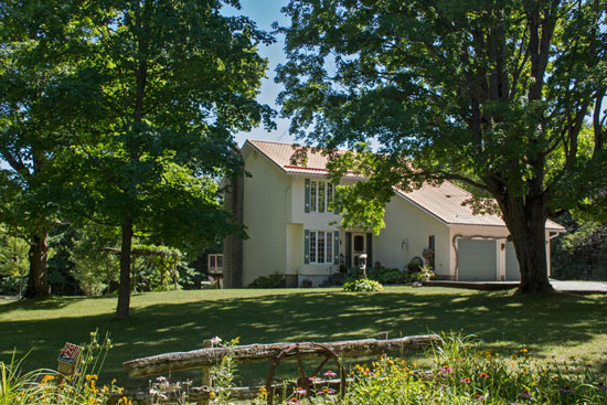 Charming Home on 26 Acres near Markdale